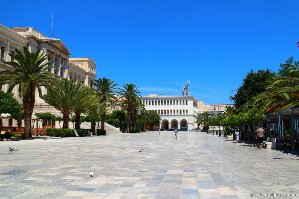 The Miaoulis square at noon